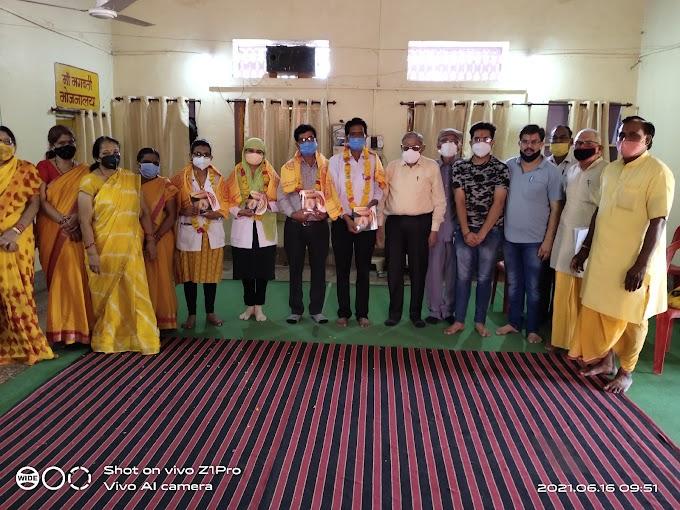 गायत्री मंदिर परिवार ने किया इनका सम्मान,देखिये पूरी खबर