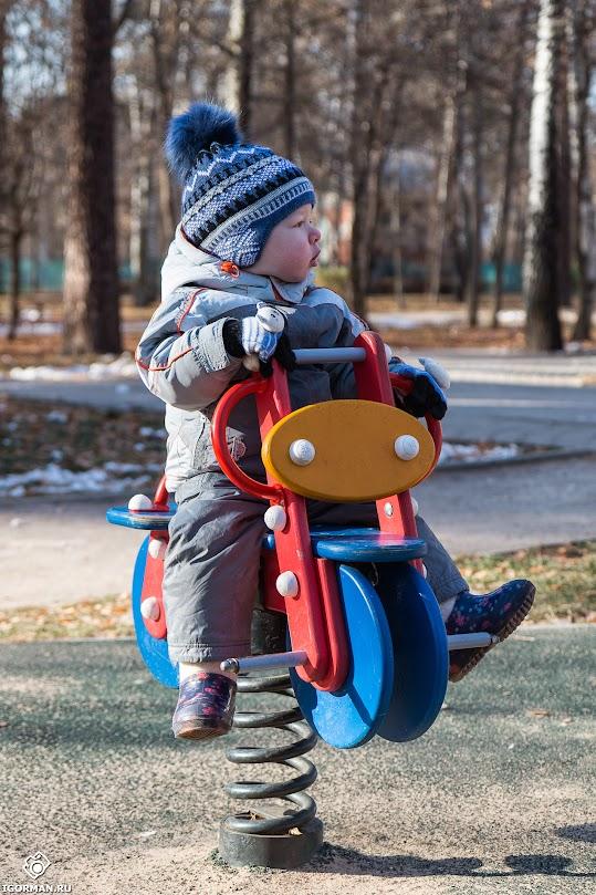 Юный гонщик - детская фотография