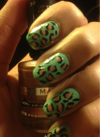 Green leopard print nails