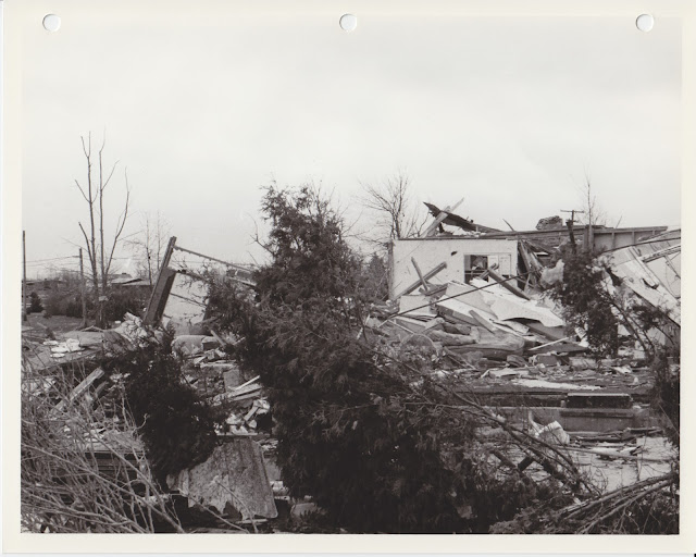 1976 Tornado photos collection - 47.tif