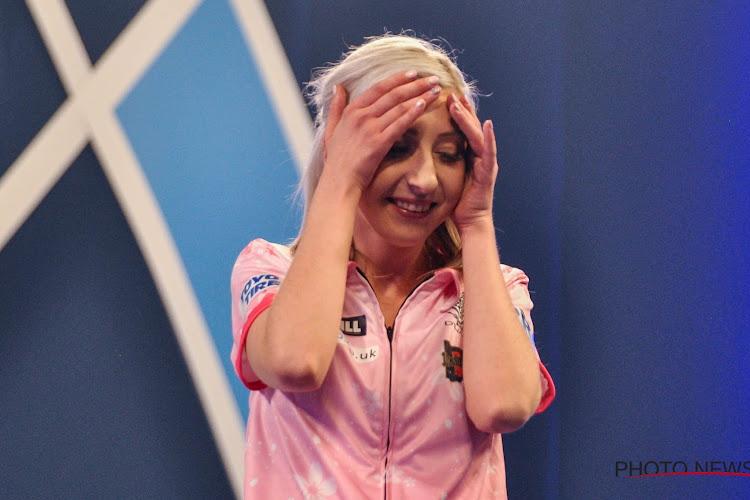 """🎥 Belgische darter heeft niets dan lof voor vrouwelijke winnaar op WK: """"Ze is een held nu"""""""