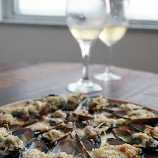 Cheesy Garlic Mussels.