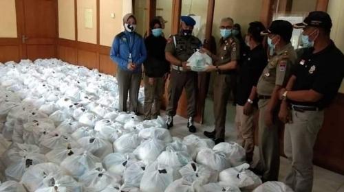 Dapat Sembako, Personel Satpol PP Akhirnya Bisa Berlebaran
