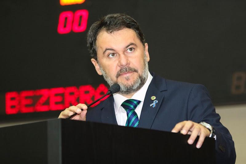 Oscar-Bezerra