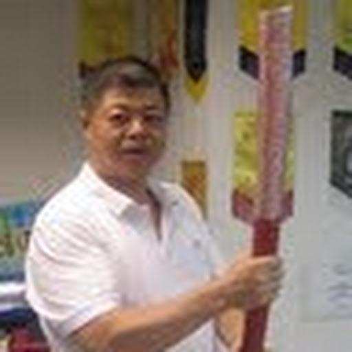 香港最前線: 號外 2013-7-12 早上最新消息:以美國為背景的在港網絡事業。開始打壓支持香港政府的聲音 「愛港 ...