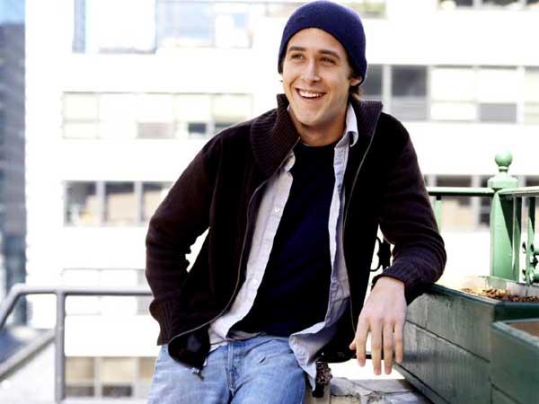 Ryan Gosling, sinriendo