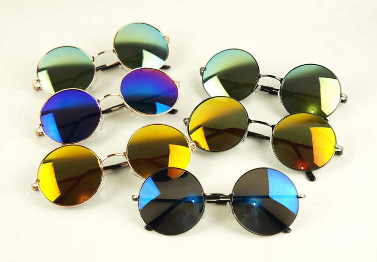 Tinted_mirror_round_sunglasses