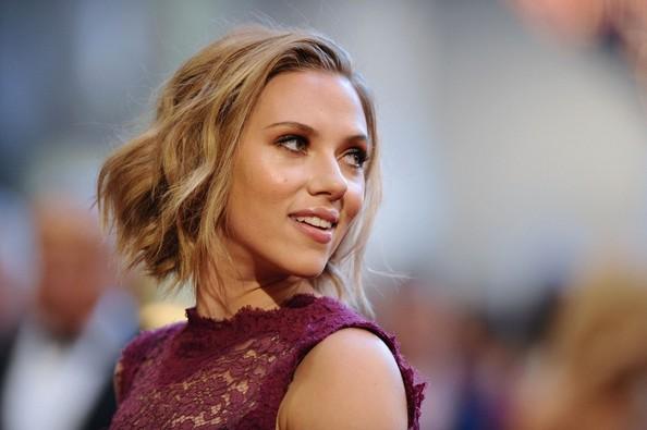 scarlett johansson hair 2011 oscars. Scarlett Johansson Oscar 2011