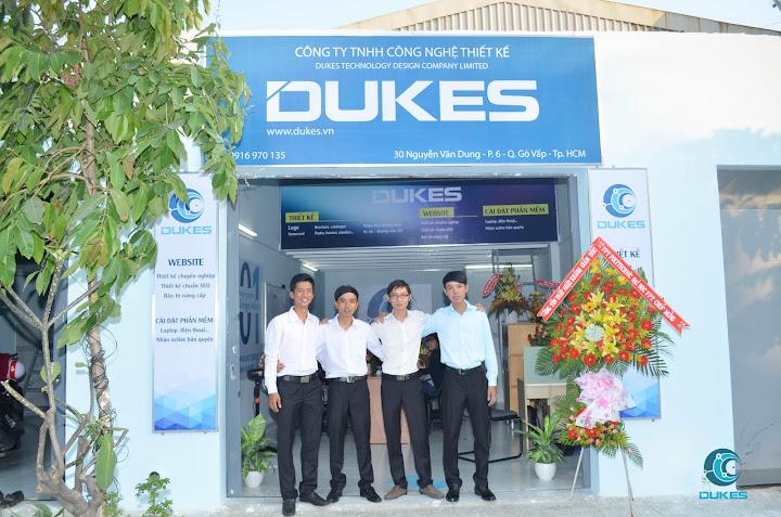 Bốn sinh viên Cao đẳng thực hành FPT Polytechnic Hồ Chí Minh tự thành lập công ty thiết kế riêng mang tên Dukes