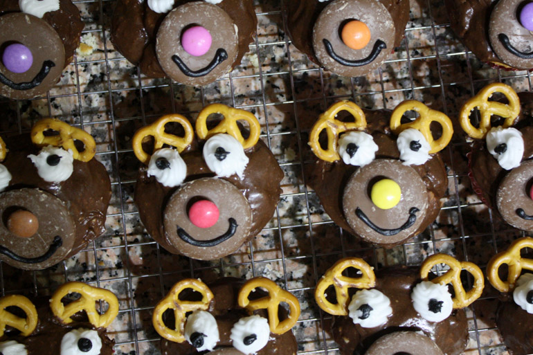 christmas chocolate orange filled reindeer cupcakes