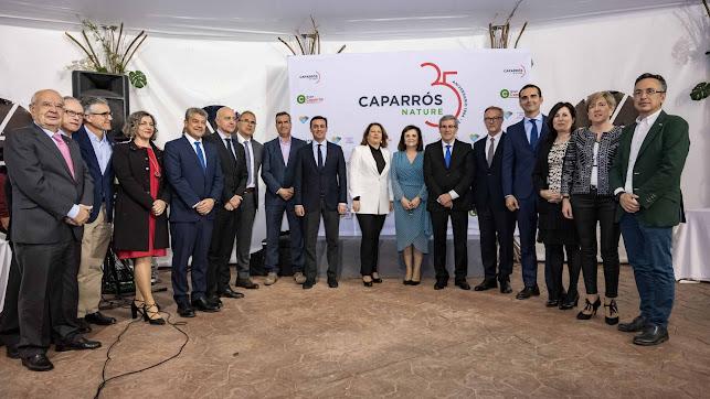 La directiva de Caparrós Nature con las autoridades presentes en el acto.