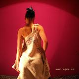 03-11Bohemia retro šaty modročervená výšivka