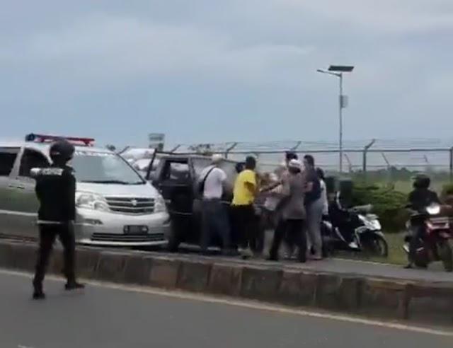 Ciri-Ciri Mobil Pikap Penghalang Mobil Jenazah Covid Sudah Dikantongi Polisi