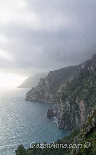 Amalfi kıyıları manzarası