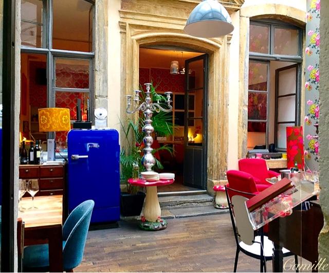 http://miscellaneesdecamille.blogspot.com/2015/09/jai-mange-au-restaurant-derriere.html