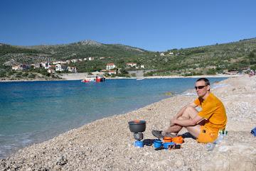 Wir kochem am Strand des Kamp Adraitic
