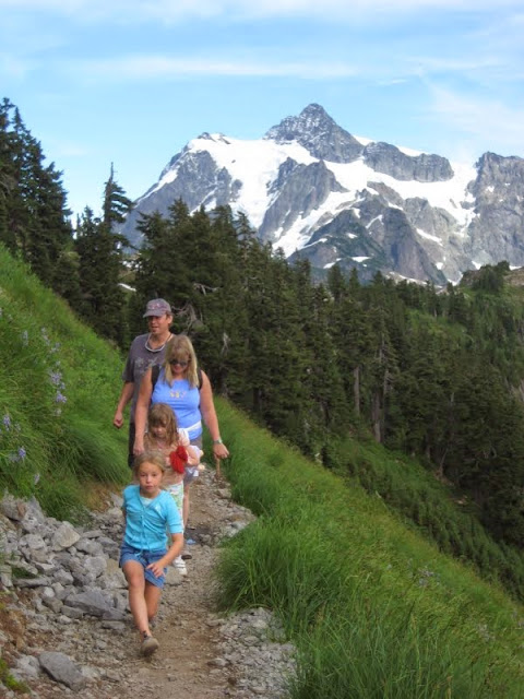 Afternoon family hike near Mt. Shuksan / Credit: Janell Kaufman