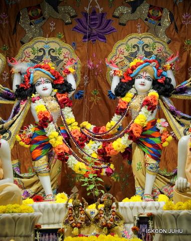 ISKCON Juhu Sringar Deity Darshan on 5th Sep 2016 (36)