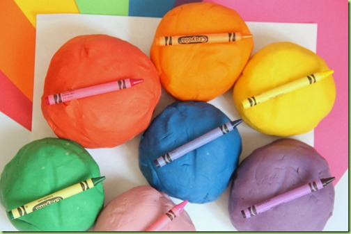 rainbow-crayon-play-dough-recipe-kids