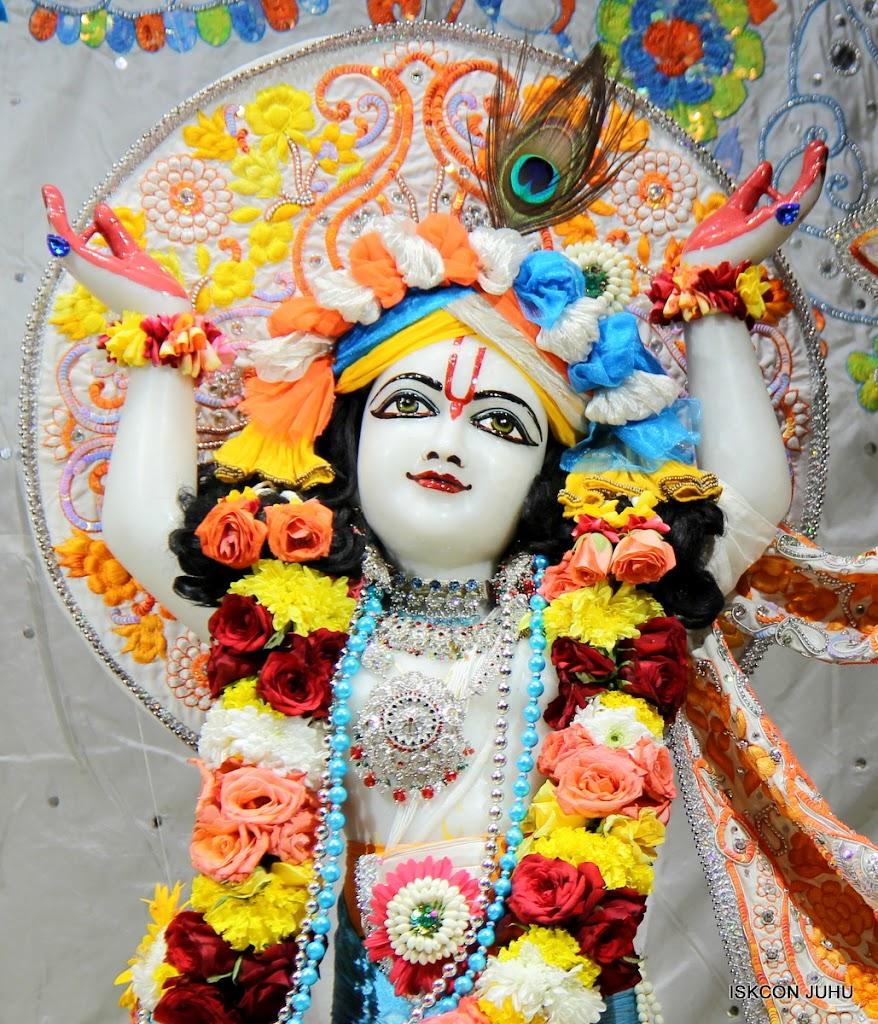 ISKCON Juhu Sringar Deity Darshan on 11th Aug 2016 (44)