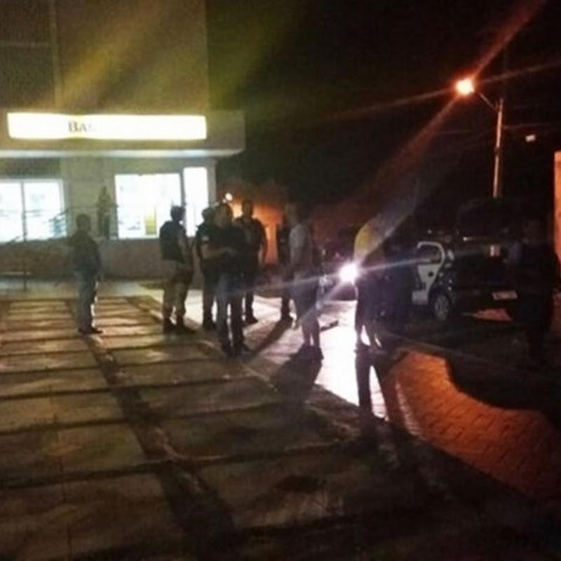 Quadrilha explode caixas de banco e causaram terror em Umarizal