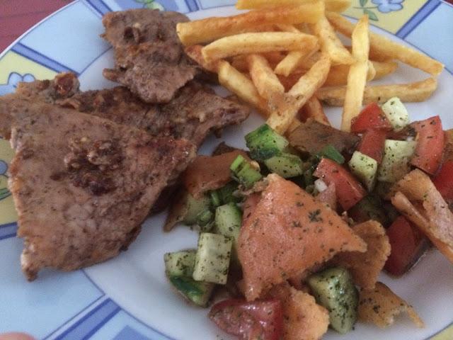 Huda's Welten Blog - مدونة عالم هدى: Sharhat Lahme - Kalbsteak mit Knoblauch Zitrone
