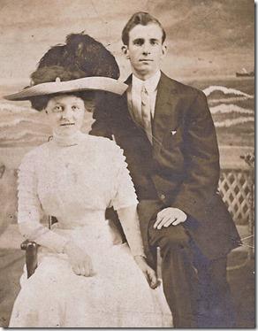 Grandma&GpaGould-1912