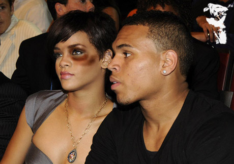 Chris Brown Apologizes For Beating Rihanna Image