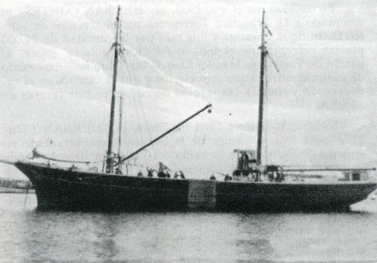 Motovelero HERNAN CORTES. Los Ultimos Veleros del Mediterraneo. Torrevieja Marinera. (Tomo II).jpg