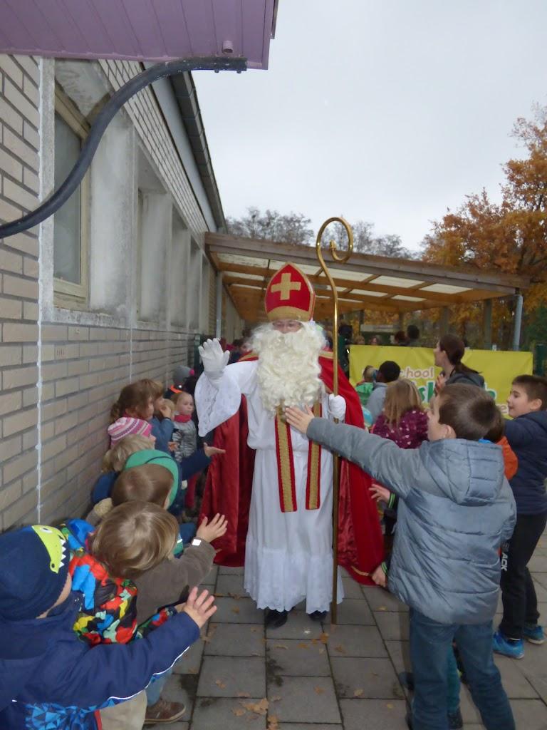 Sinterklaas op bezoek - P1060555.JPG