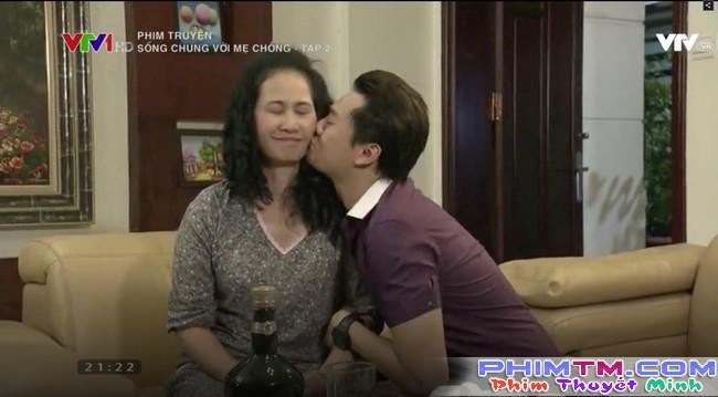 Mẹ chồng bá đạo nhất màn ảnh Việt: Đêm tân hôn xông vào phòng mắng con dâu Sao cô dám cưỡi lên người con tôi!? - Ảnh 1.
