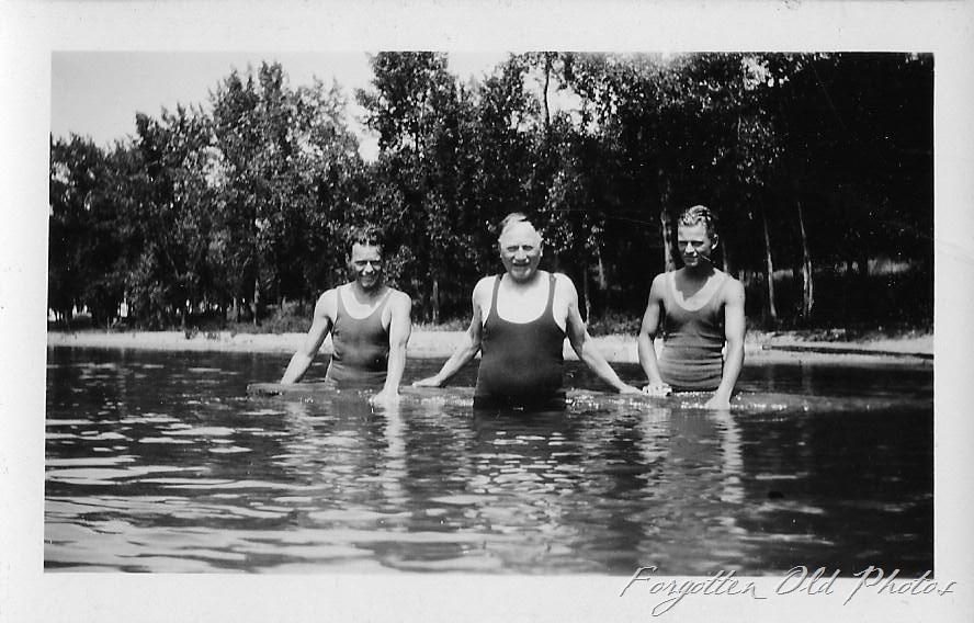 [Men+in+swimsuits+Brainerd+ant%5B8%5D]