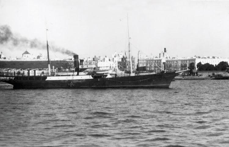 El GENERAL FERNANDEZ SILVESTRE en el puerto de Cadiz. Fecha indeterminada. Colección Laureano Garcia. Nuestro agradecimiento.jpg