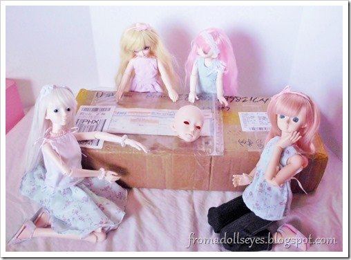 Unboxing the Doll Family H 45 cm. boy bjd body, plus cute doll shoes.