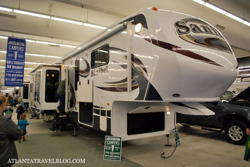 RV: авто дом на колесах