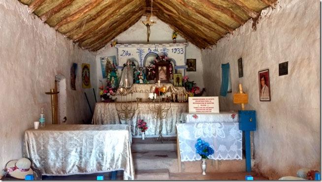 Pueblo-Machuca-Atacama-igreja-altar--