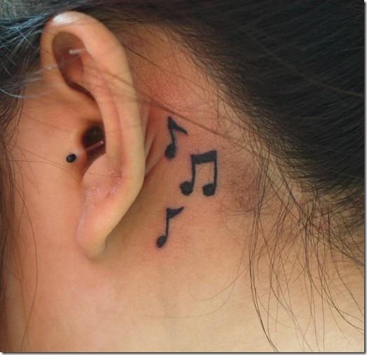 atrs_das_orelhas_notas_musicais_pequenas_tatuagens_para_meninas