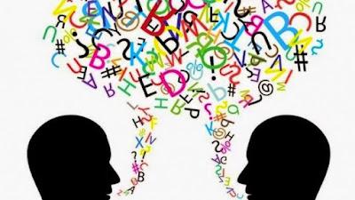 "Fungsi dan Konotasi Bahasa ""Caruik""  dalam Tutur Masyarakat Minangkabau"