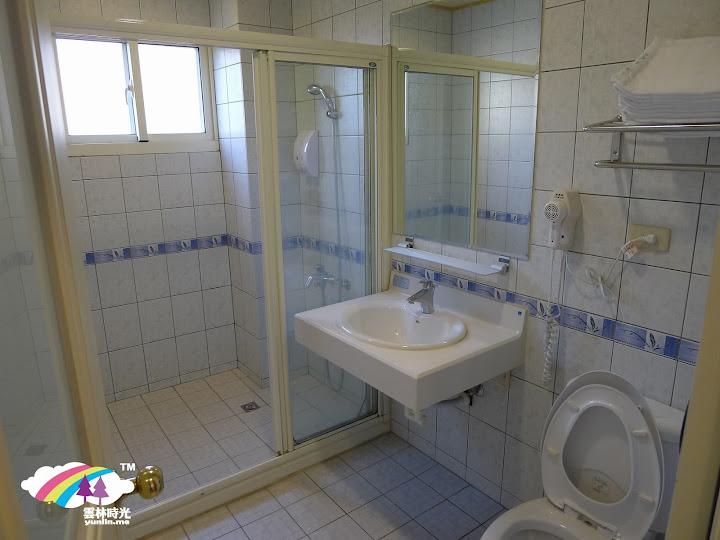 乾淨套房浴室