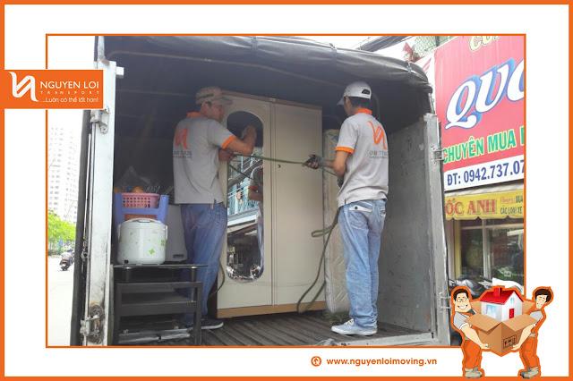 Cố định tủ quần áo trên xe tải khi chuyển nhà