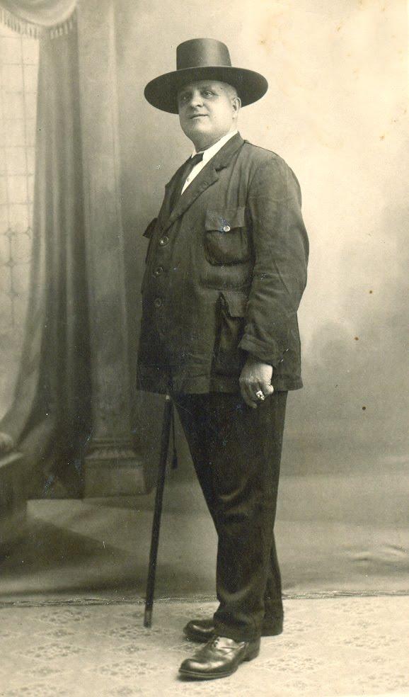D. Francisco Palomares del Pino. Capitan de la Marina Mercante y personaje historico. Foto del blog de su nieta Angela y Sevilla.jpg