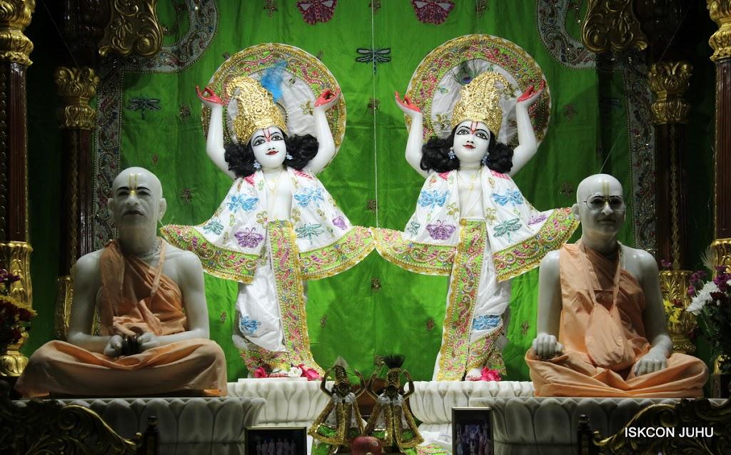 ISKCON Juhu Mangal Deiy Darshan 10 Apr 16 (34)