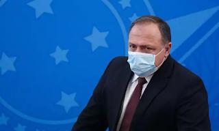 Pazuello não resiste a pressão e pede para sair do Ministério da Saúde