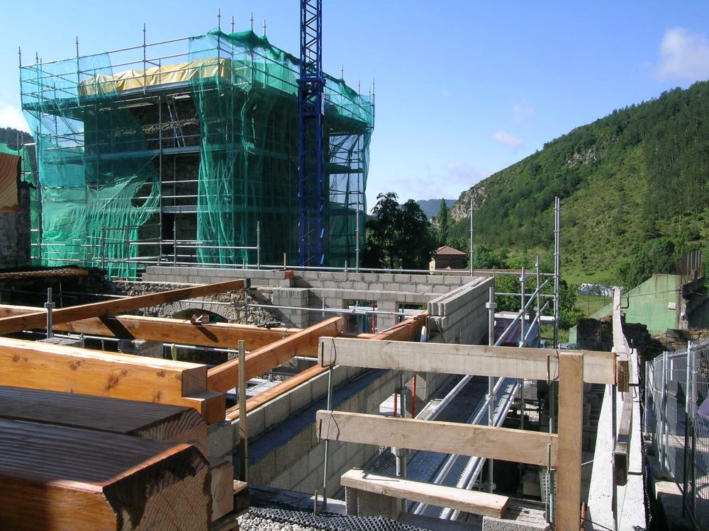 Reconstruccion Torre de Uriz - DSCN9487.JPG