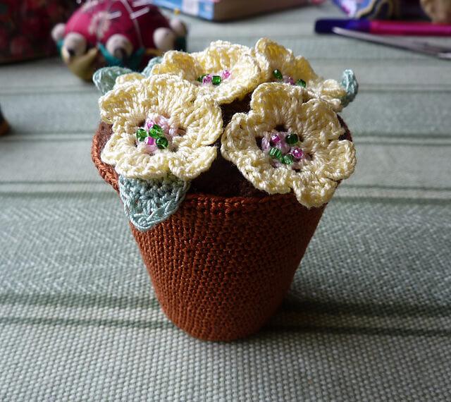 Crochet Flowers Pots. Free Pattern Stitch