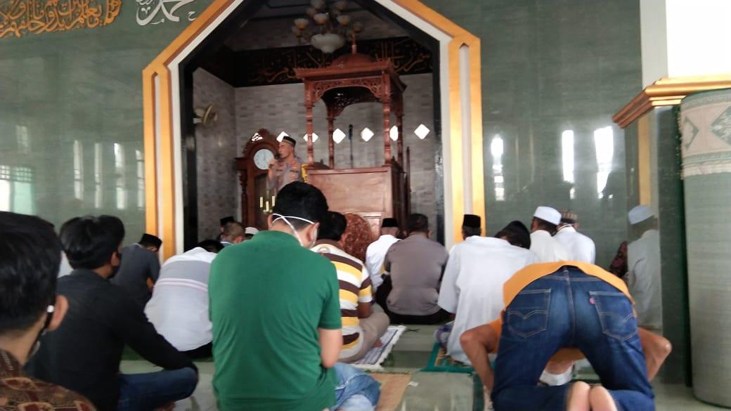 Jum'at Barokah, Kapolres Soppeng Sampaikan Pesan Kamtibmas di Masjid Takwa