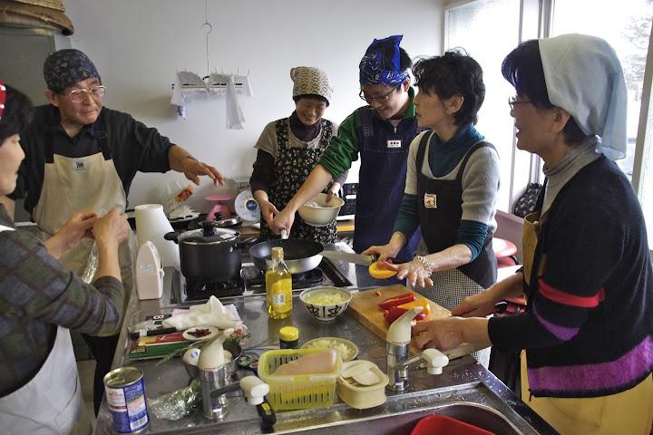 写真:料理指導
