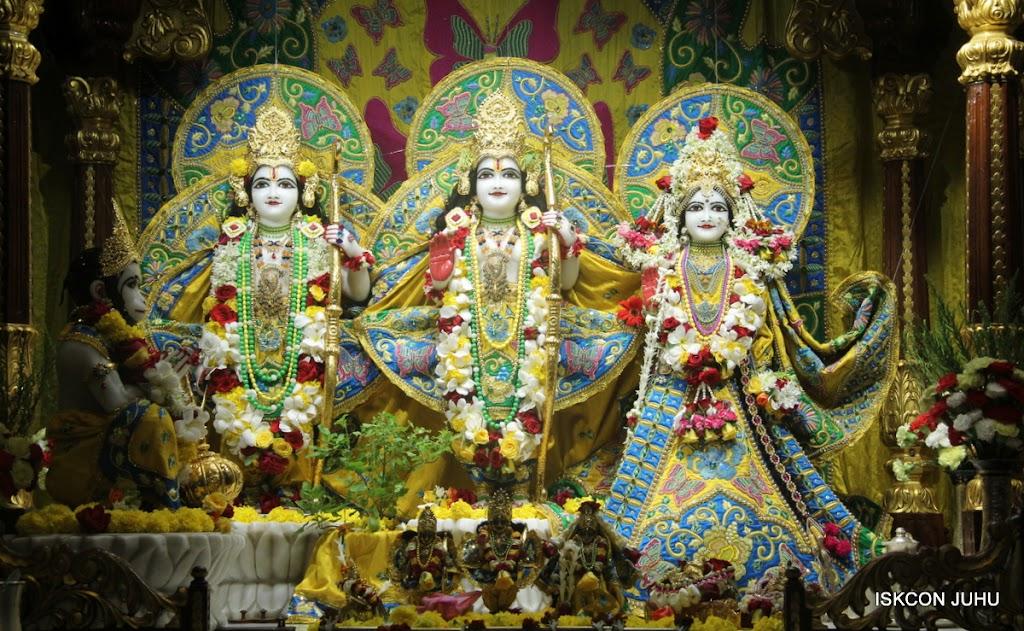 ISKCON Juhu Sringar Deity Darshan on 26th June 2016 (24)