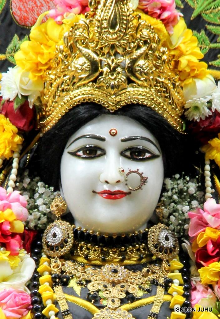 ISKCON Juhu Sringar Deity Darshan on 31st Dec 2016 (9)