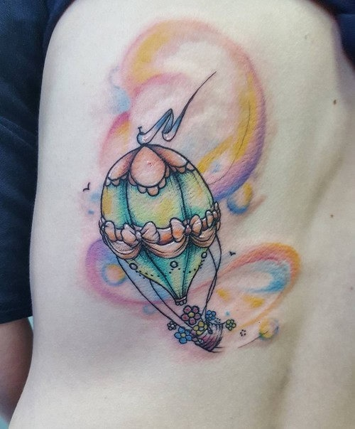 este_elegante_aquarela_de_balo_de_ar_quente_tatuagem